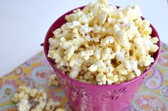 Butter, with a side of Bread // Easy family recipes and reviews.: BETTER THAN CARAMEL POPCORN