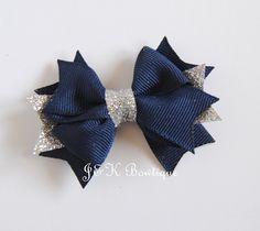 Navy and silver bow, Navy bow, Christmas Bows, silver hair clip, toddler bows, glitter bow, baby bow, Christmas outfit, Toddler bow Thanksgiving Hair Bows, Christmas Hair Bows, Christmas 2019, Silver Bow, Silver Hair, Baby Girl Accessories, Toddler Bows, Glitter Ribbon, Shabby