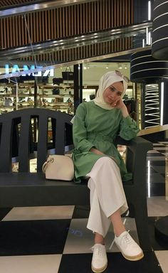 Gen Tesett r Casual Hijab Outfit, Hijab Chic, Hijab Dress, Muslim Fashion, Modest Fashion, Fashion Outfits, Modest Dresses, Modest Outfits, Mode Turban