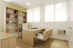 Se os móveis não forem brancos, usa esse tom de madeira mais clara