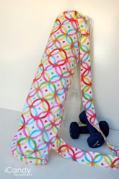 icandy handmade: Yoga Mat Sling -- so cute!
