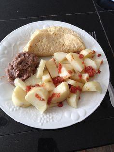 Steamed potatoes, homemade pinto beans, corn tortillas and salsa. All fat free. High carb vegan. Raw till 4. No salt no oil no butter. Mcdougall starch solution.