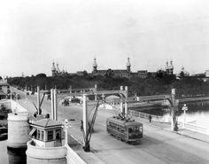 Florida Memory - A Tampa Electric Company streetcar running through the Lafayette Street Bridge - Tampa, Florida