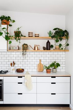 Love this shelf and tiles for kitchen