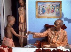 srila prabhupada as a child Krishna Painting, Krishna Art, Radhe Krishna, Lord Krishna, Srila Prabhupada, Divine Grace, Sweet Lord, Bhagavad Gita, Spiritual Path