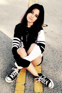 Image discovered by Find images and videos about icon, fifth harmony and camila cabello on We Heart It - the app to get lost in what you love. Shawn And Camila, Camila And Lauren, Fangirl, Beautiful People, Beautiful Women, Foto Casual, Dove Cameron, Fifth Harmony, Tumblr Girls