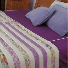 Mantita en patchwork para arroparse en el salón Bed Runner, Bed Covers, Table Runners, Projects To Try, Quilting, Blanket, Furniture, Ideas, Home Decor