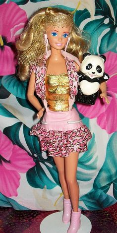 A place for photos of fabulous Barbie dolls from the era. Please post any photos of Barbie dolls from the that hold a special place in your heart. Barbie Life, Barbie Dream, Barbie World, Barbie And Ken, 1980s Barbie, Vintage Barbie Dolls, Custom Barbie, Malibu Barbie, Barbie Collector