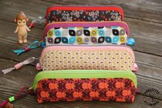 Mini trousses d'école... Blog Couture, Diy Couture, Diy And Crafts, Lunch Box, Crochet, Orange, Sewing, Fabric, Pattern