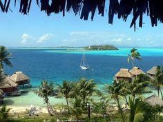 You can call it a nice place to moor... ;)  #Bora_Bora    #YachtcharterPolynesia   #YachtcharterBoraBora