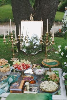 Persian ceremony in Rome for our Canadian couple. Beautiful display in gold and green. www.weddingsinrome.com