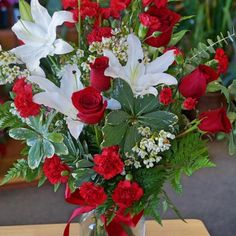 http://www.flowerwyz.com/get-well-gift-baskets-get-well-flowers-online.htm get well gift baskets
