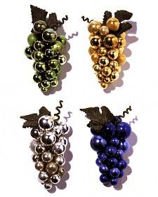 Borrow one of nature's prettiest designs and make bunches of beautiful grapes out of tiny glass ornaments.