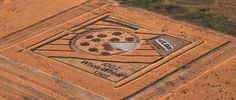 A full color crop circle, complete with a whole wheat crust and pepperoni's made of red mulch. After more than 600 hrs of labor Papa Johns has completed its ultimate promotion in the wheat fields near Denver, Colorado. Conviently located in the approach patterns for Denver International Airport.