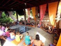 Casa Pura Luz oferece yoga, massagem e terapia ayurvédica e oficinas de dança e astrologia, entre outras