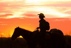 El famosísimo cielo rojo de Chihuahua.  Ciudad Camargo, Chihuahua.  Arturo Salcido Hernández