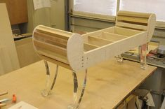 Entry Bench before upholstry Ottoman Furniture, Reupholster Furniture, Recycled Furniture, Upholstered Furniture, Furniture Styles, Pallet Furniture, Furniture Projects, Furniture Plans, Furniture Design
