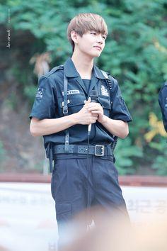 Bangtan Boys ❤ Taehyung (v) | tumblr