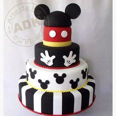 Mickey Mouse cake by Arte De Ka