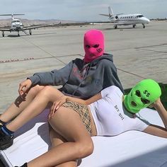 Modern Luxury Lifestyle: Soft Contemporary Home Gangsta Girl, Fille Gangsta, Photo Instagram, Insta Photo, Thug Girl, Tumbrl Girls, Bad And Boujee, Mask Girl, Outfits Mujer