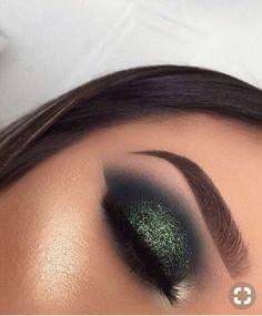 Makeup Idea Grüne Augen Make-up - Beauty - Eye-Makeup Eye Makeup Tips, Smokey Eye Makeup, Makeup Goals, Eyeshadow Makeup, Makeup Cosmetics, Makeup Geek, Makeup Products, Makeup Guide, Makeup Brushes