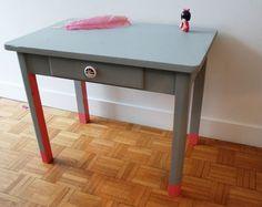 Petit bureau enfant gris et rose