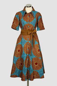 Hemdblusenkleid in braun-blau von Noh Nee mit raffiniertem Gürtel  - Shirt dress with African Print