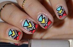 Diseños de uñas tribales faciles, diseño de uñas tribales triangulos.   #diseñatusuñas #3dnailart #uñasdemoda