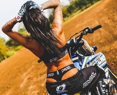 Motorbike Girl, Bobber Motorcycle, Motorcycle Outfit, Motorcycle Quotes, Ktm Dirt Bikes, Yamaha Bikes, Dirt Biking, Triumph Motorcycles, Custom Motorcycles