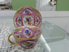 hand painting on porcelain Painted Porcelain, Hand Painted, Pink Coffee Cups, Glass Tea Cups, China Patterns, Vintage Tea, High Tea, Teacups, Bone China