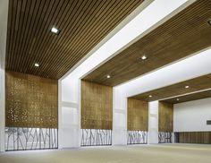 Gallery of Dunalastair School Gymnasium / Alejandro Dumay + Patricio Schmidt – 11 - Bildung Gymnasium Architecture, Architecture Details, Interior Architecture, Hall Design, Gym Design, School Design, Dance Studio Design, Function Hall, Schmidt