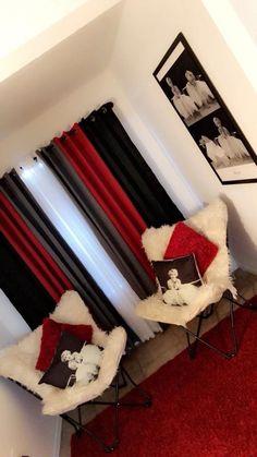 71 new modern apartment living room design ideas page 43 Living Room Decor Cozy, Living Room Red, Cute Room Decor, First Apartment Decorating, Home Bedroom, Red Bedroom Decor, Bedroom Ideas, Apartment Living, Apartment Ideas