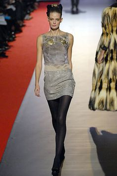 Christian Lacroix Fall 2006 Ready-to-Wear Fashion Show - Julia Stegner
