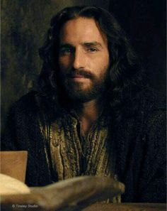 Devotion to the Holy Face of Jesus: Jim Caviezel as Jesus - Passion of Christ