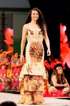 Tongan model, actress, and singer Diamond Langi Tongan Wedding, Samoan Wedding, Samoan Dance, Samoan Dress, Tongan Culture, Polynesian Culture, Island Wedding Dresses, Tiare Tahiti, Island Wear