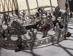 Steel crown with purple antique stones.  https://www.facebook.com/evajohanna.arts.crafts
