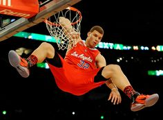 Since Griffin trains on sand, his calves and leaping ability are strengthened, which can explain why he can jump with his entire arm in the basket. muscleprodigy.com