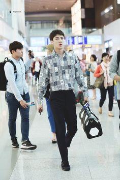 They Guy who wrecks all bias list even other groups Japan Fashion, Fashion 2018, Fashion Models, Fashion Men, Kim Jong Dae, Kim Min Seok, Sehun, Berlin, Mature Faces