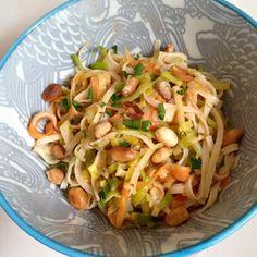 Dit is een lichte maaltijd, snel gemaakt als lunch of diner. Lekker met verse koriander of peterselie.