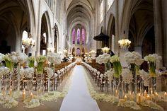 Escoge los colores y flores de tu boda, y con un poco de imaginación, y ayuda profesional, este puede ser el resultado de tu decoración. #wedding #church #pretty