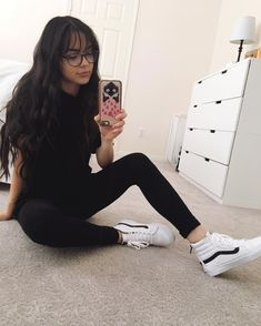 "78.3k Likes, 744 Comments - Vanessa Merrell (@vanessamerrell) on Instagram: ""I did this thing where I cleaned my room. Yes, I'm holding my phone upside down. Yes, I'm showing…"""