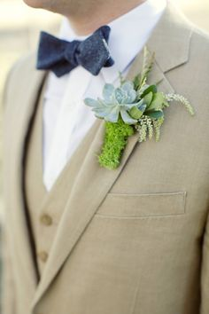 Rustic boutonniere: http://www.stylemepretty.com/texas-weddings/dallas/2013/10/09/texas-ranch-wedding-from-sarah-kate-photographer-elle-films/ | Photography: Sarah Kate - http://sarahkatephoto.com/