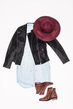 Herbstlook mit Jeanskleid und dunkel rotem Hut. Auch aus Stiefelette aus echtem Veloursleder ein unverzichtbares Must-have für den Kleiderschrank.  Highlight ist auch die tolle Biker Jacke, wenn es kälter wird.