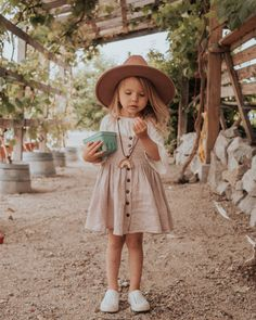 Fruit Stand Adventures The Scarlett Door Toddler Fashion Adventures door Fruit Scarlett Stand Cute Little Girls Outfits, Kids Outfits Girls, Toddler Girl Outfits, Little Girl Fashion, Fashion Kids, Toddler Fashion, Look Fashion, Girl Toddler, Toddler Hair