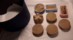 Saippuat: nesteenä kahvi, mausteina minttu, kaneli ja kurkuma. Kaneli, Cookies, Desserts, Diy, Food, Turmeric, Crack Crackers, Tailgate Desserts, Deserts