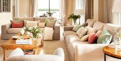 Todo lo que debes tener en cuenta a la hora de elegir el sofá: desde las medidas y los mejores rellenos hasta una galería con 20 diseños de todos los estilos