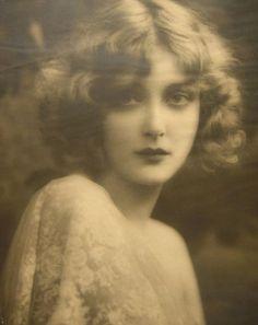 Una de las musas de Renoir Catherine Hessling