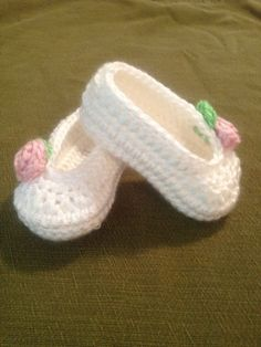 Crochet baby booties baby girl ballet slippers by SevenSkeins