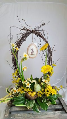 easter decorations 416442296792173561 - Fairly Easter Flower Decorations and Centerpieces – Source by Easter Flowers, Easter Tree, Easter Wreaths, Easter Bunny, Basket Flower Arrangements, Floral Arrangements, Deco Floral, Arte Floral, Diy Easter Decorations