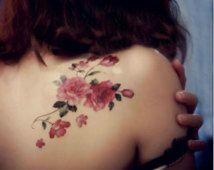 Flor de color rosa y hojas hombro Tattoo - tatuaje flores